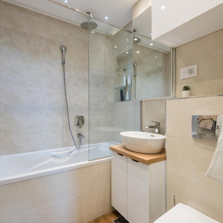 Installation ou changement de paroi de douche ou baignoire