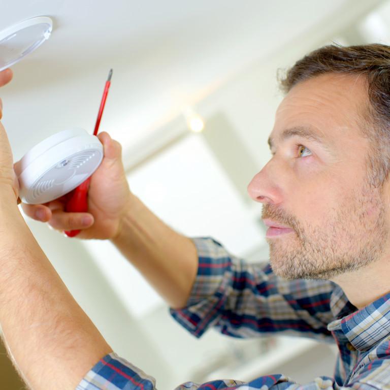 Remplacement ou installation d'un détecteur de fumée
